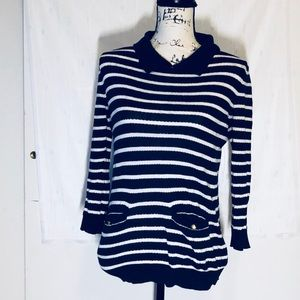 Forever 21 navy blue and white stripe collar top